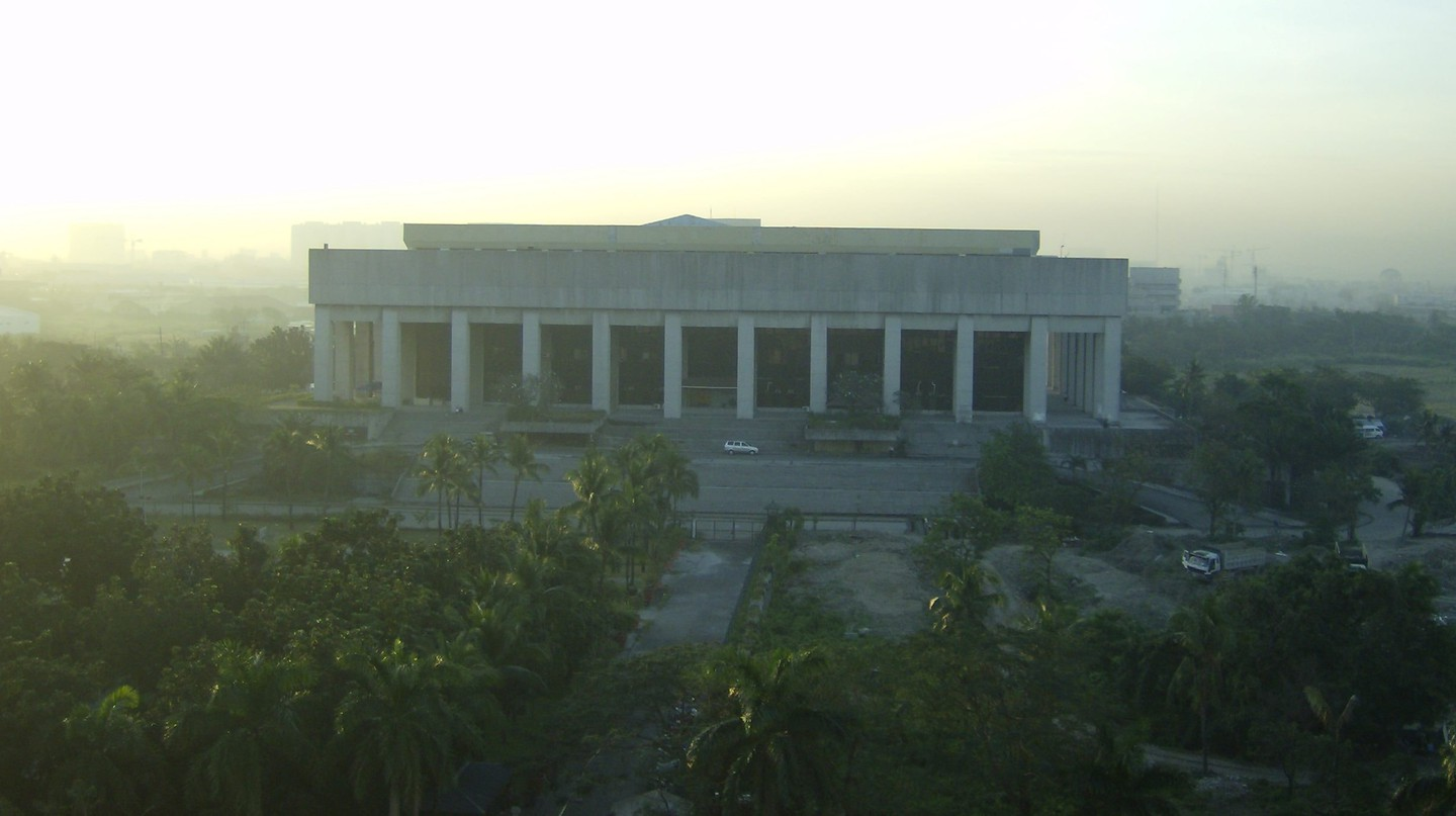 The Manila Film Center | © Michael Francis McCarthy / Wikimedia Commons