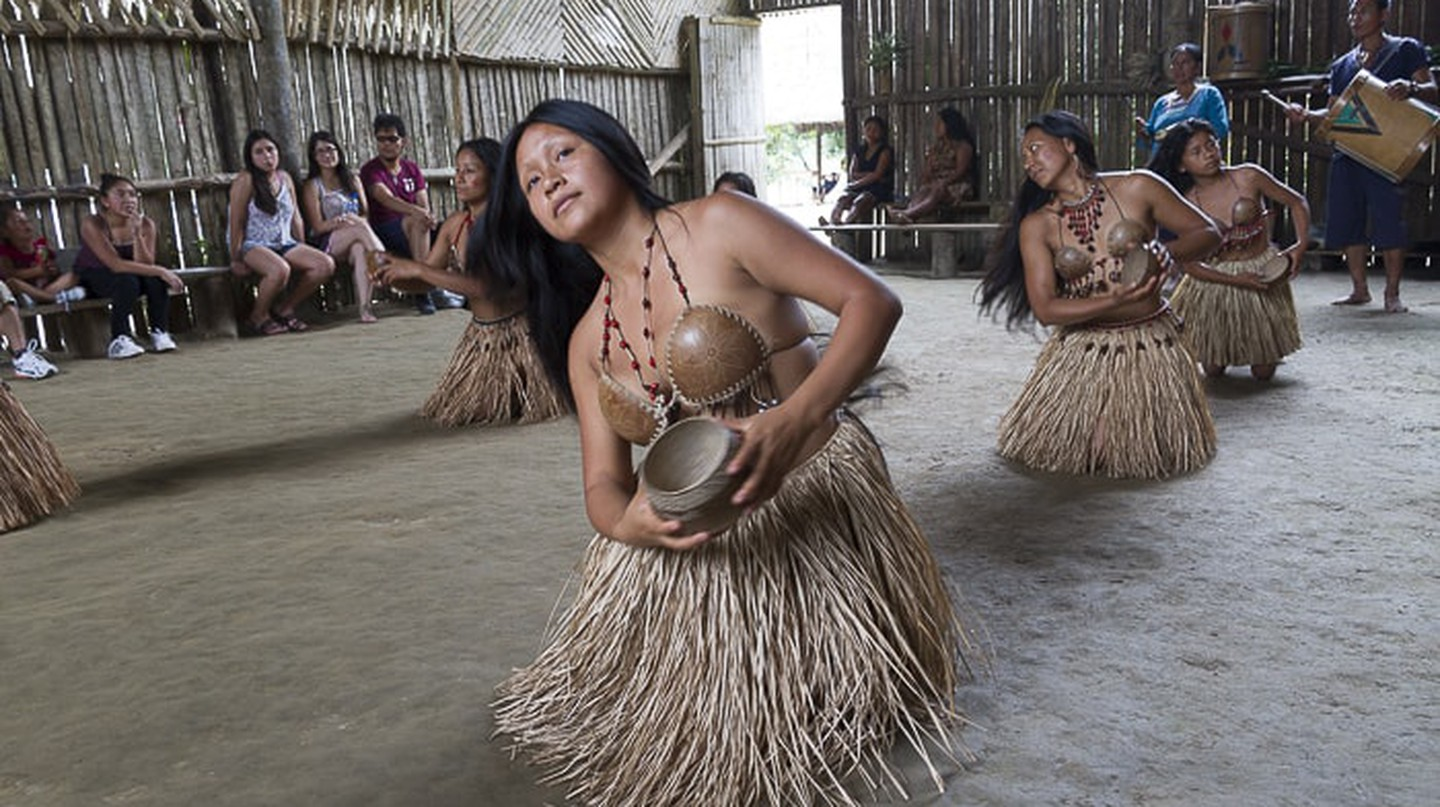 Traditional dance  | © Vibeke Johannessen / The Viking Abroad