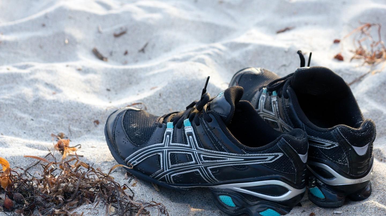 Running shoes on sand    TheHilaryClark/Pixabay