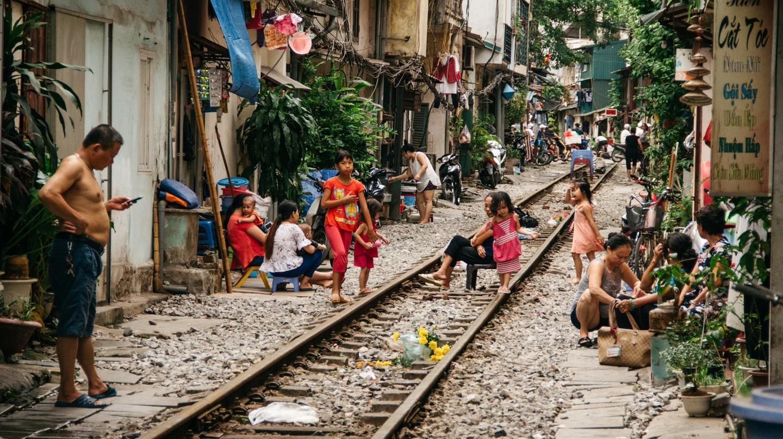 Life on Train Street | © Scott Pocock/Culture Trip