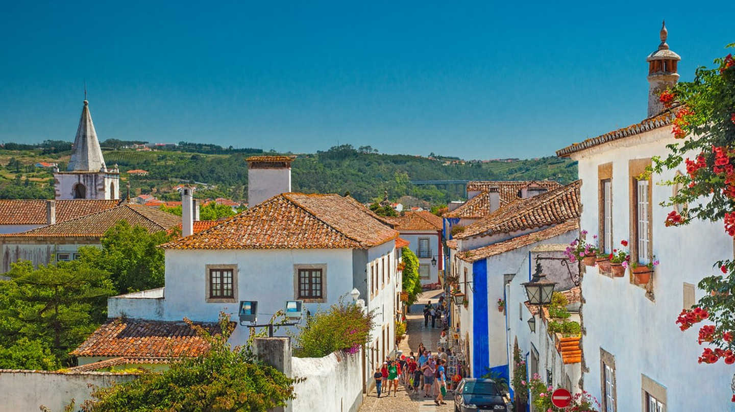 The colorful village of Óbidos ©  Botond Horvath / Shutterstock