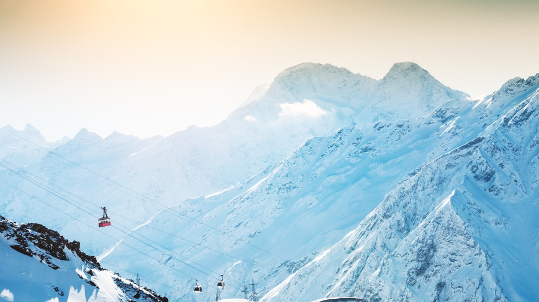 Winter sun in the mountains | © Olga Gavrilova/Shutterstock