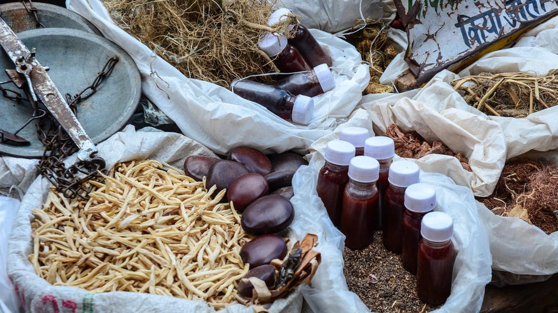 Herbs & Oils at Chandni Chowk Market | © Phuong D. Nguyen/Shutterstock