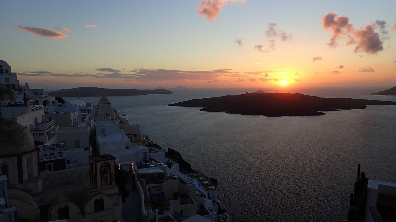 Sunset from Imerovigli   © Gozitano / Pixabay
