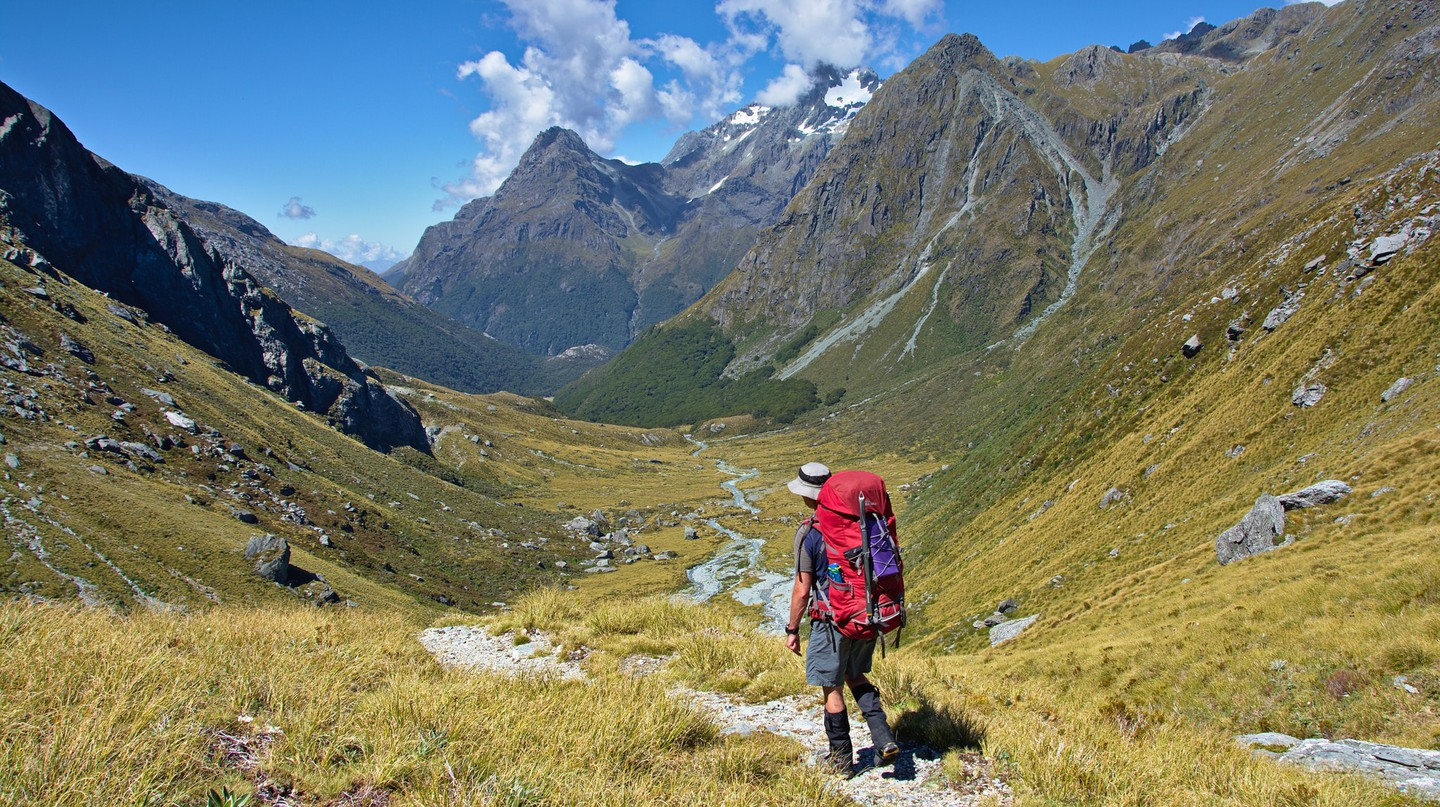 Walking down to Rock Burn Valley, Mount Aspiring National Park, New Zealand | © Thomas Sobek/Flickr