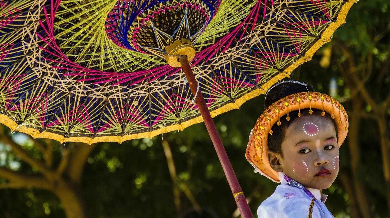 A young novice monk in Myanmar | © Guillén Pérez / Flickr