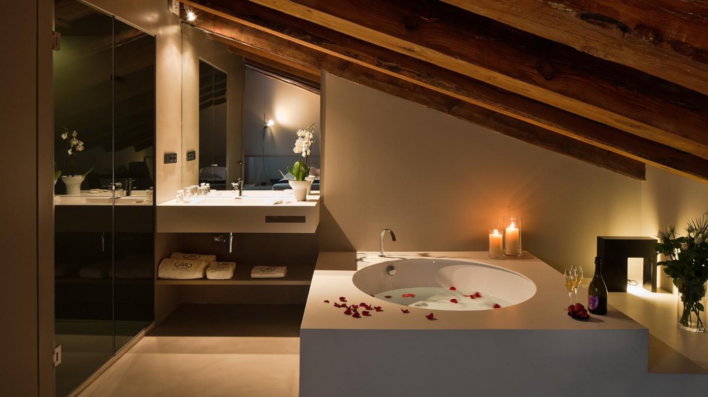 The suite at Caro Hotel, Valencia | Courtesy of Caro Hotel