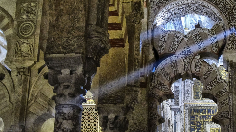 Arches in Córdoba's grand Mosque-Cathedral; María Renée Batlle Castillo/flickr