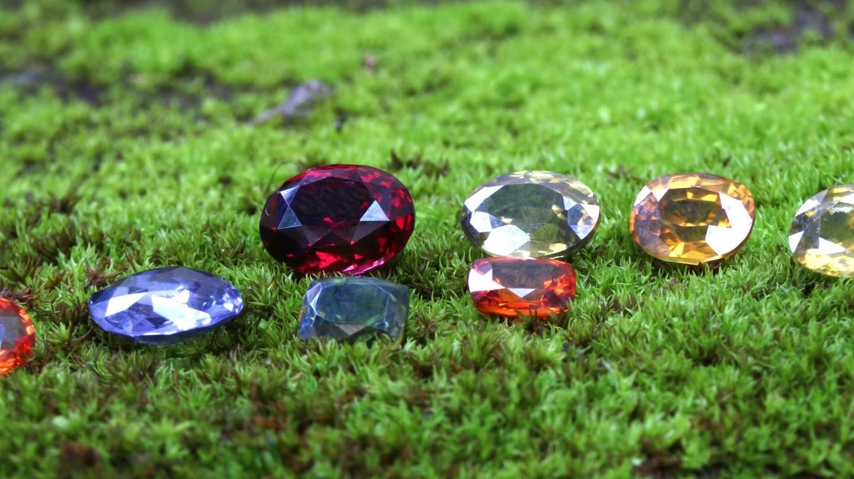 Variety of Sri Lankan gems | Courtesy of Tash Gems and Jewellery