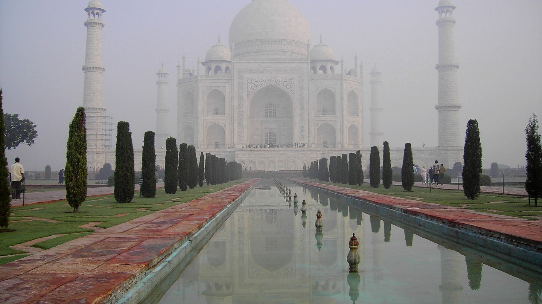 Taj Mahal at dawn | © John Haslam/Flickr