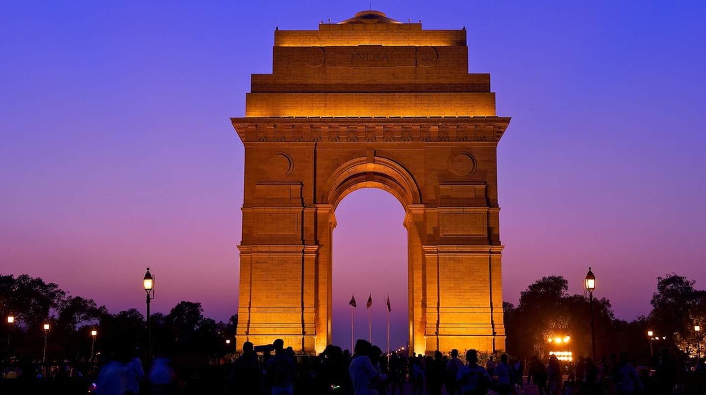 India Gate at night | © Larry Johnson / Flickr