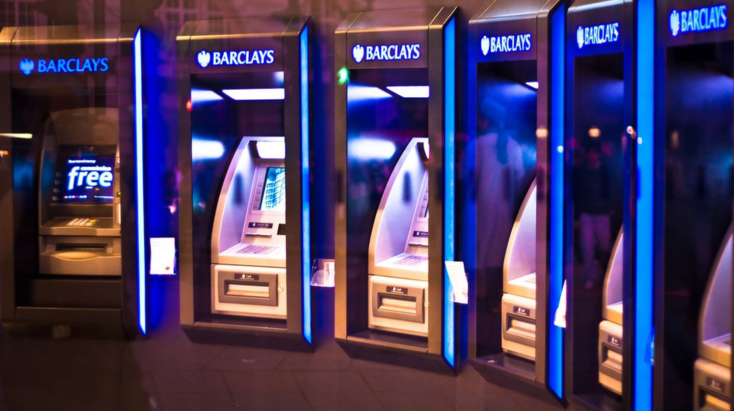 Cash Machines In London | © Garry Knight/Flickr