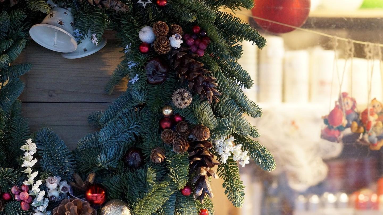 © bearinthenorth / Pixabay https://pixabay.com/en/christmas-market-christmas-fair-1719978/