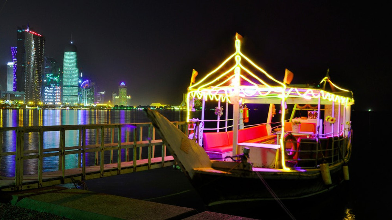 Corniche Dhow Boat © Dan Christian Caneo / Source: Flickr