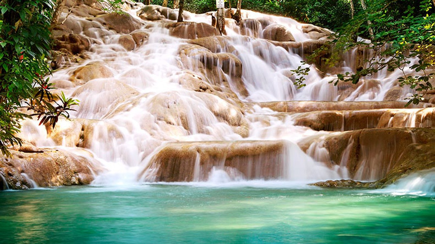Dunn's River Falls, Jamaica |© WikiCommons