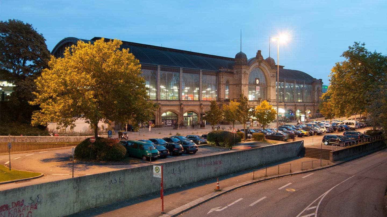 Hamburg Dammtor Train Station