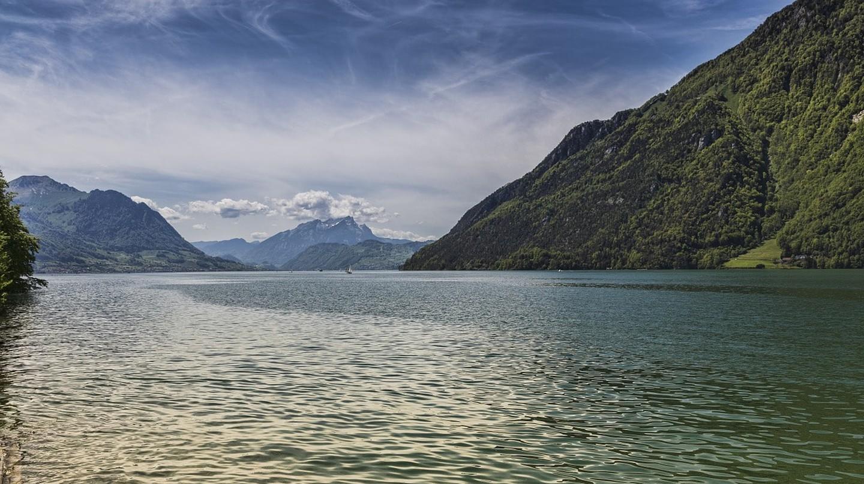 Lake Lucerne   © Boenz / Pixabay