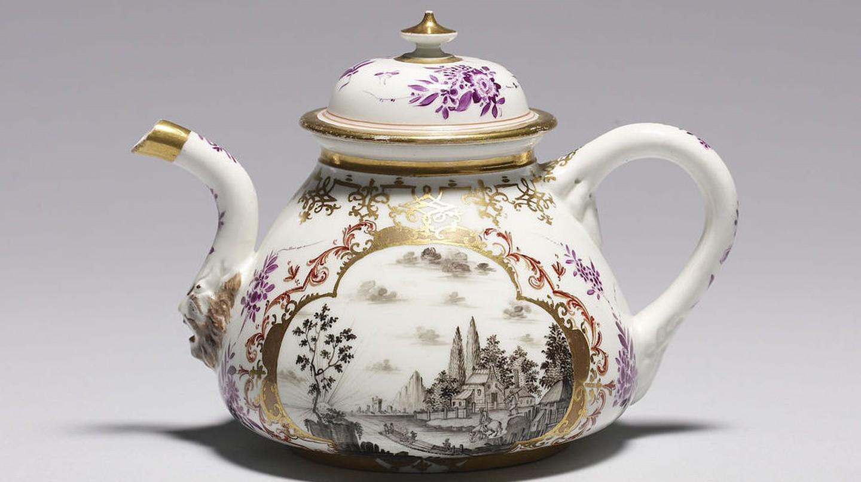 Meissen porcelain teapot | © Walters Art Museum / WikiCommons