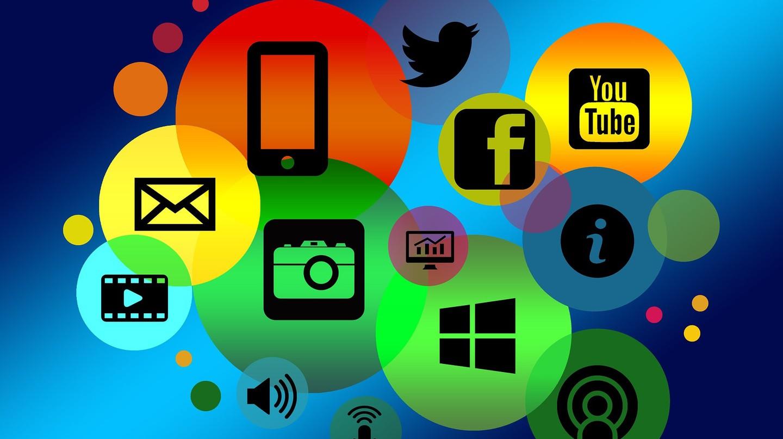 Colourful internet logos | © geralt / Pixabay