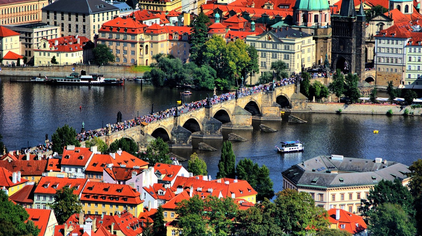 Charles Bridge, Prague | thejissan / Pixabay