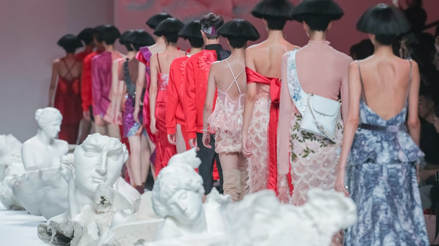 Photo by Imaginechina/REX/Shutterstock Ji Cheng show, Runway, Spring Summer 2018, Shanghai Fashion Week, China - 18 Oct 2017