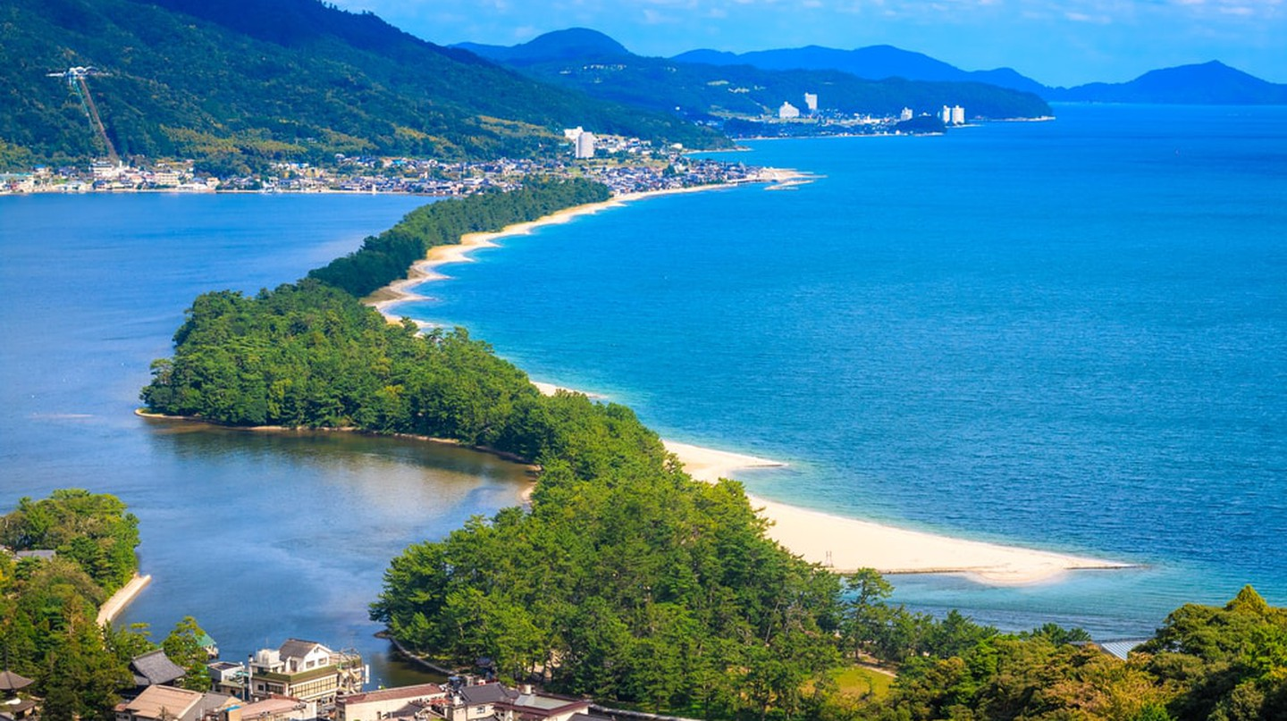 The Amanohashidate Sandbar, one of the Three Views of Japan | © beeboys / Shutterstock.com