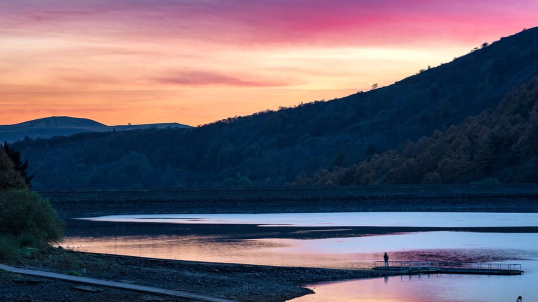 Ladybower Reservoir, Peak District   © Shahid Khan/Shutterstock