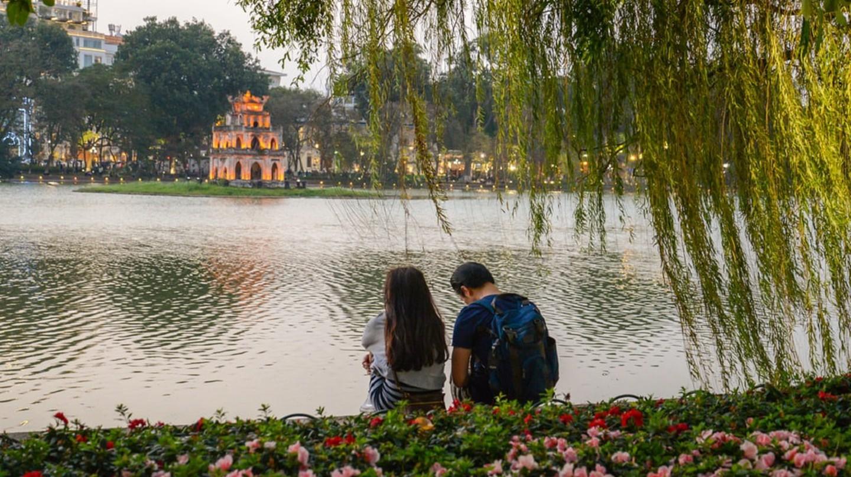Romance in Hanoi   © Akarat Fhasura/shutterstock