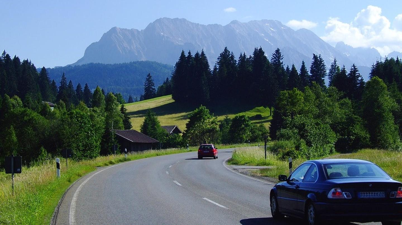 Driving through Bavaria, Germany | © ADD / Pixabay