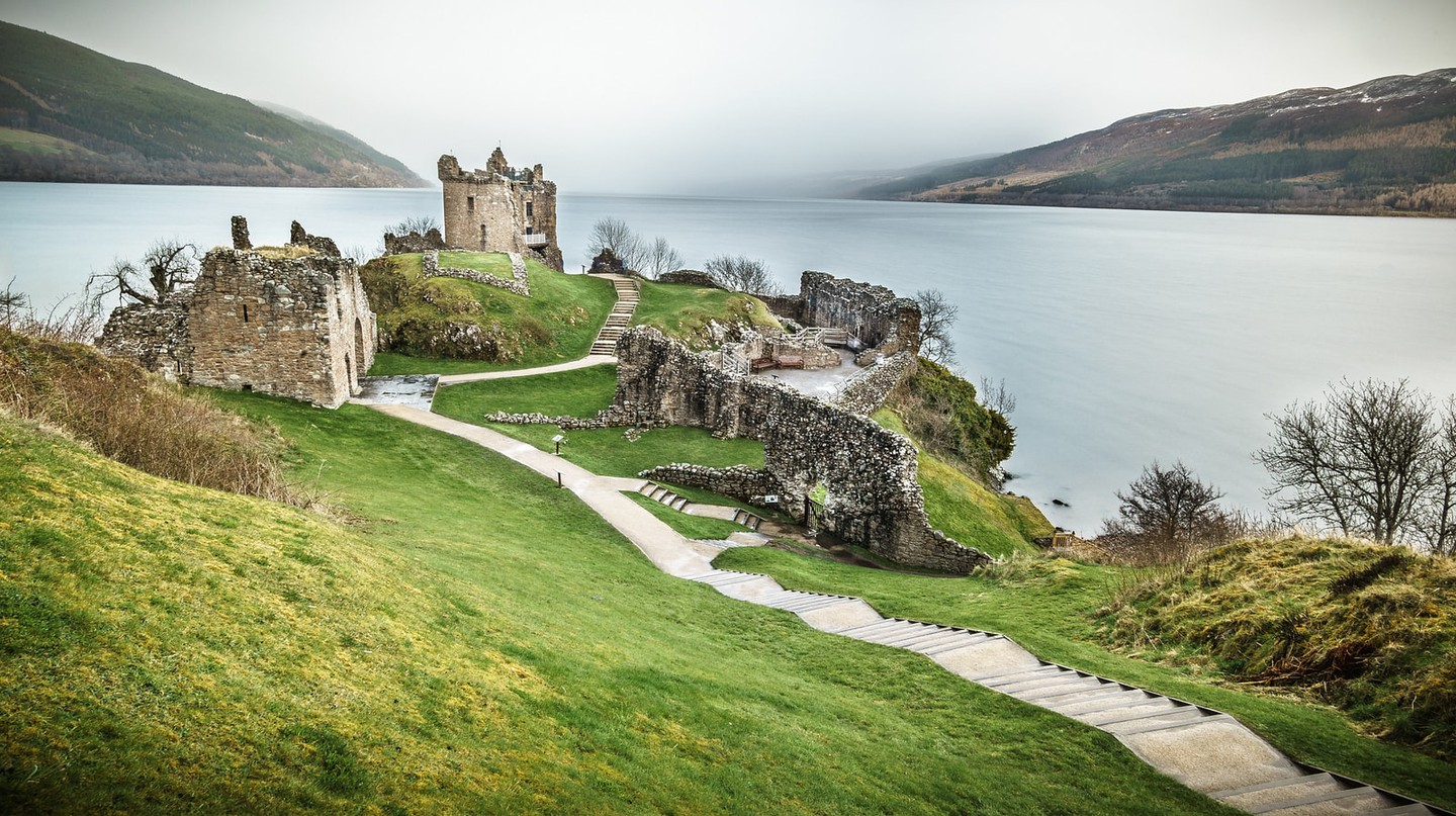 Urquhart Castle, Loch Ness, Inverness, Scotland, United Kingdom | © Giuseppe Milo/Flickr