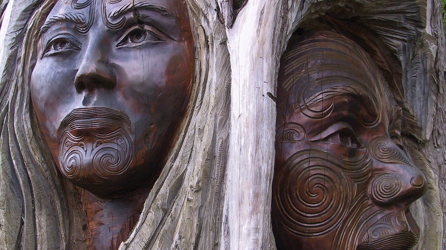 Māori wood carving