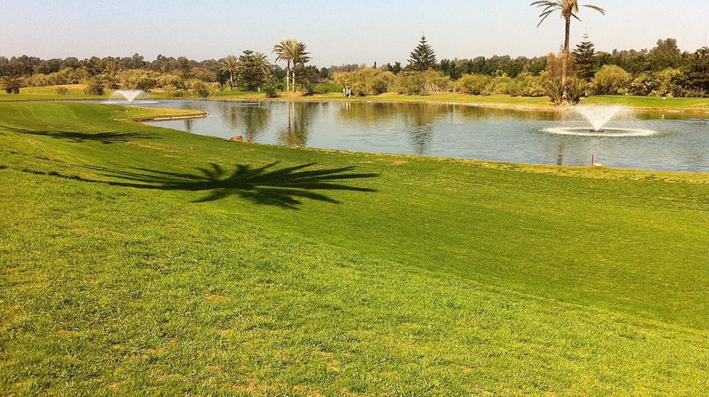 Verdant golf course in Morocco   © R-E-AL / Wikimedia Commons