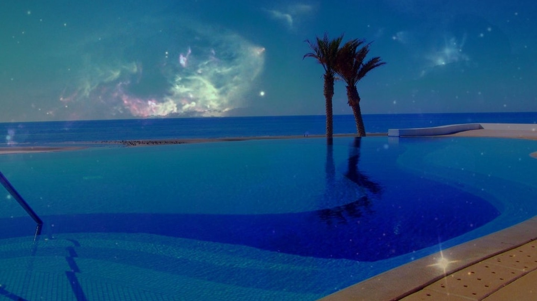 Pool overlooking the beach in Puerto Peñasco | © Ken Bosma / Flickr