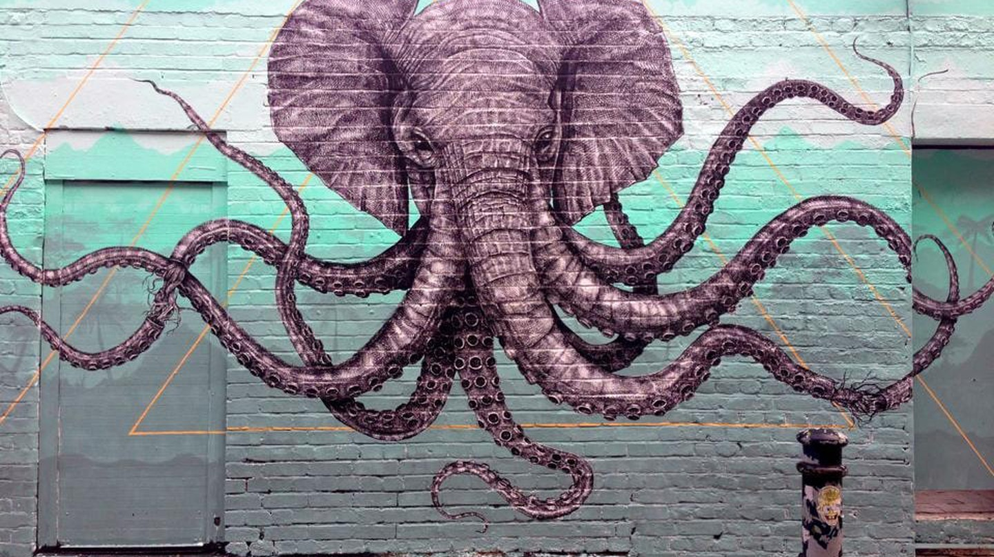 Elephant Octopus Mural by Alexis Diaz | © MsSaraKelly/Flickr