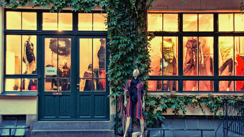 Fashion apparel store  © schaerfsystem / Pixabay