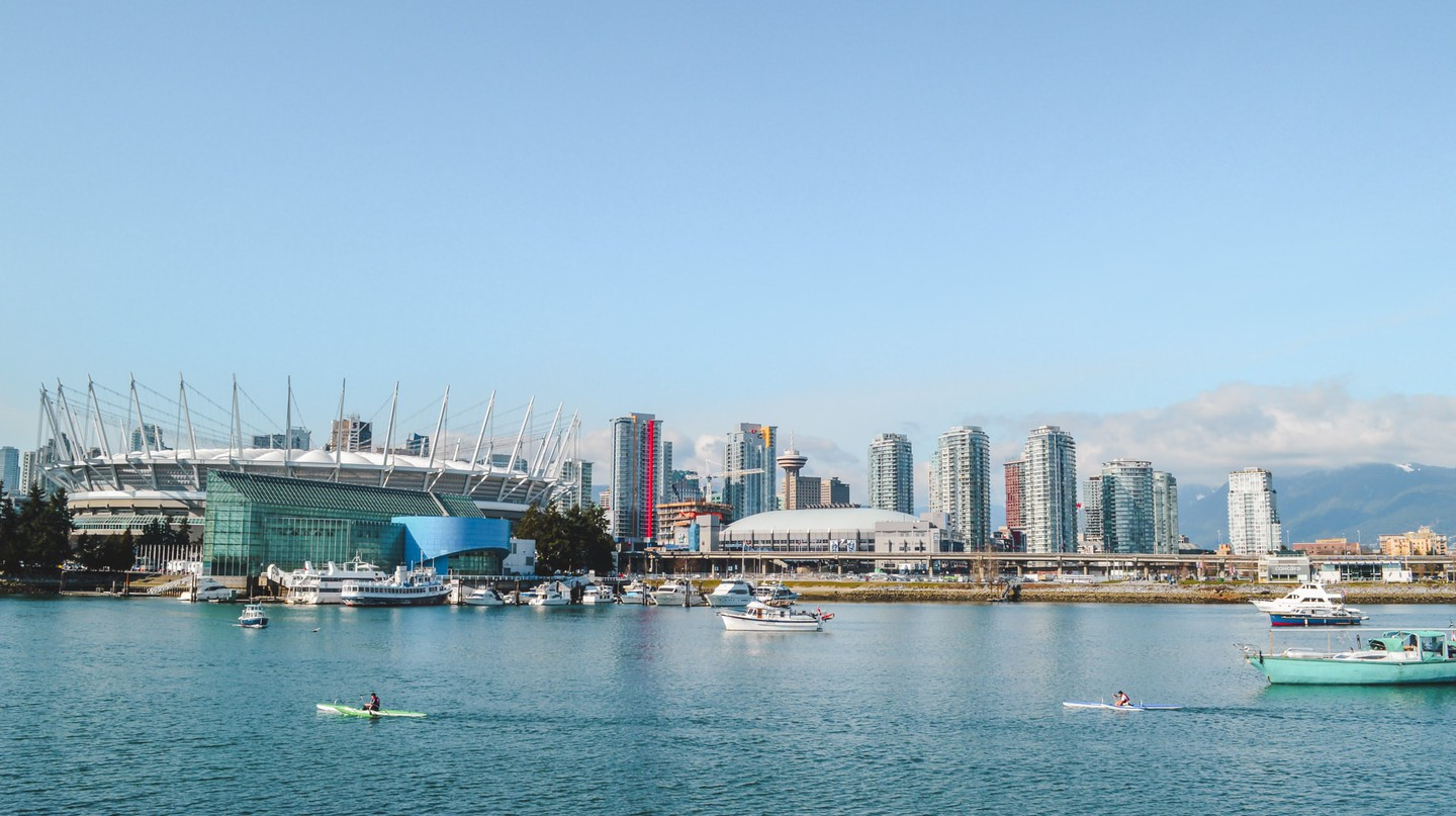 Kayaking in False Creek | © Hayley Simpson