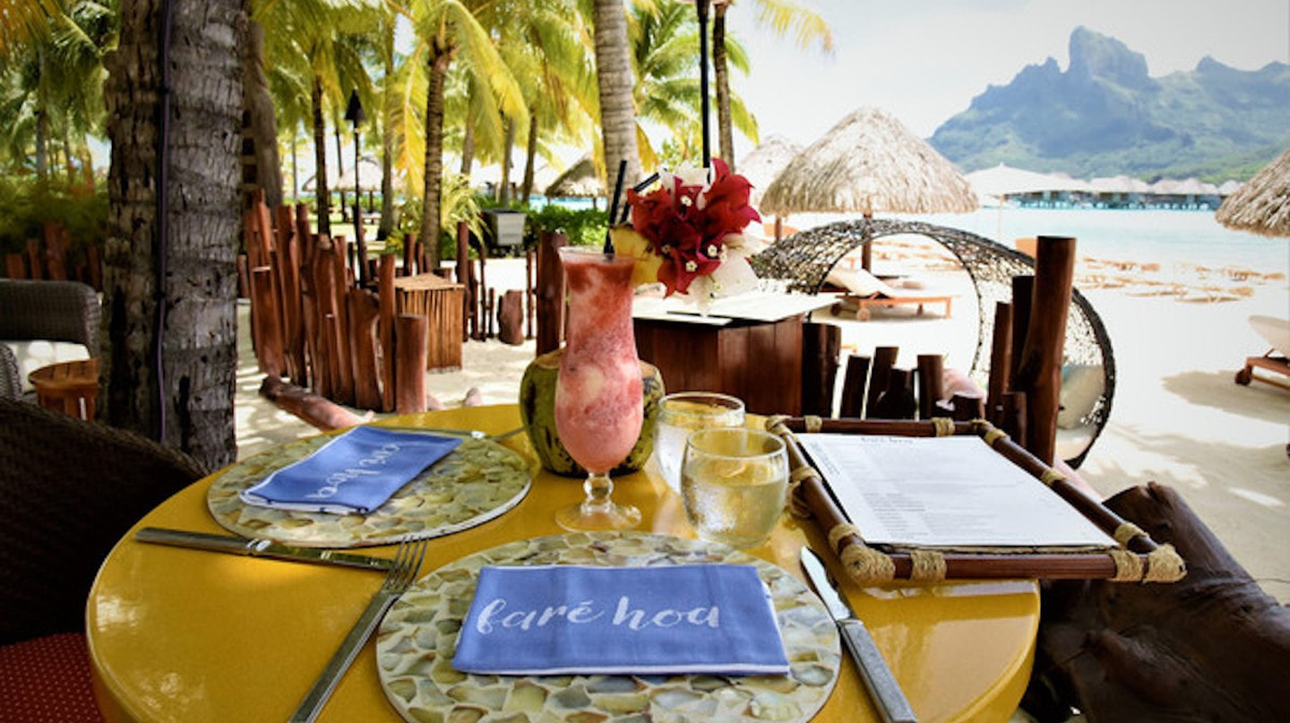 Faré Hoa Beach Bar | © Four Seasons Bora Bora