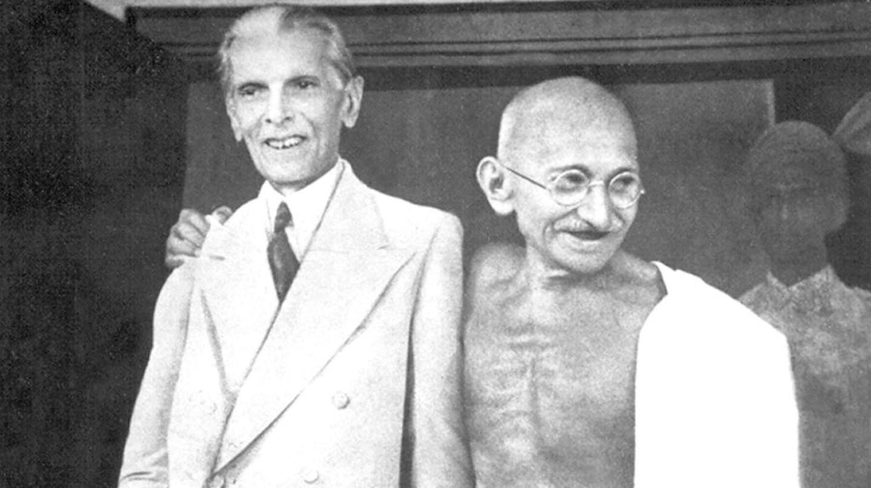 Mohammad Ali Jinnah and Mahatma Gandhi | gandhiserve.org / WikiCommons