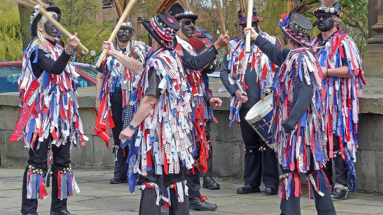 Morris dancers | © Tim Green / Wikimedia