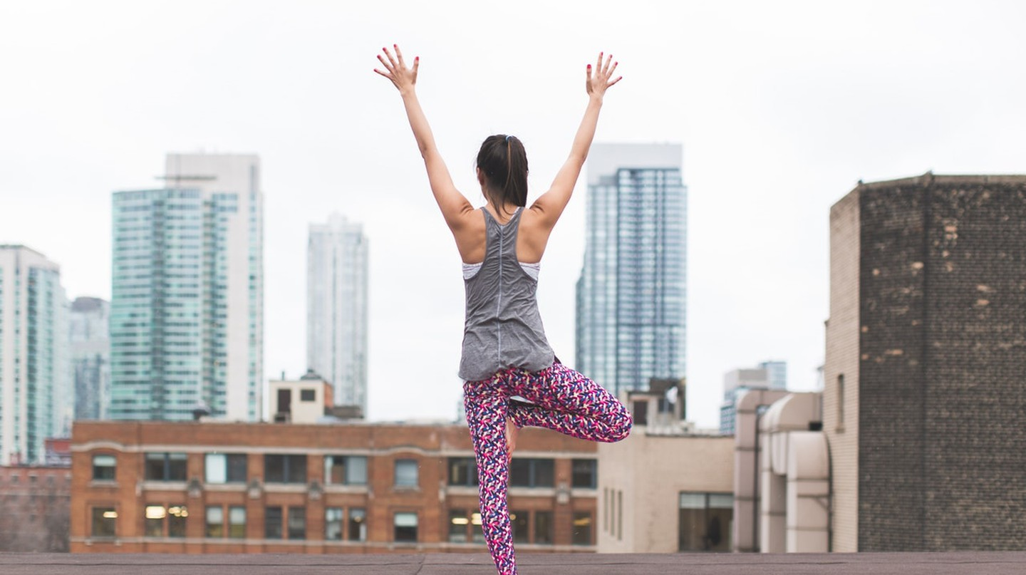Yoga on the roof | © Burst/Pexels