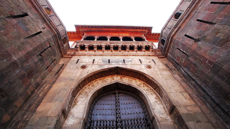Shaniwar Wada Gate © Ashok Bagade/Wikimedia Commons