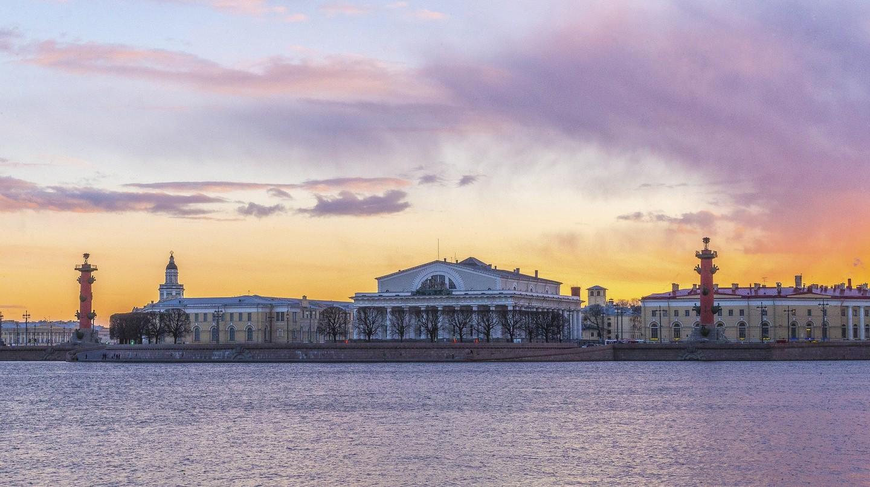 Vasilievsky Island   © LuidmilaKot / Pixabay