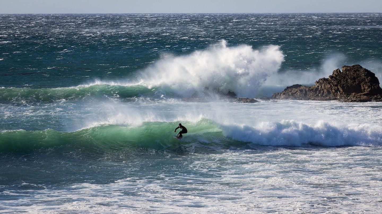 Surfing in Southern California | © Pierce Martin / Flickr