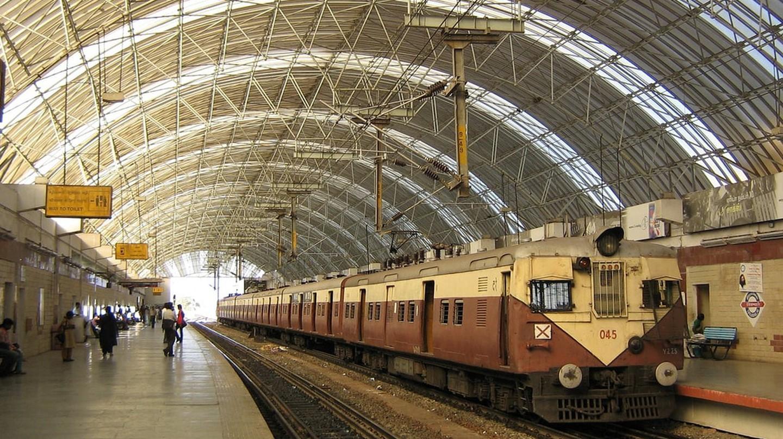 The Thirumylai (Mylapore) Railway Station in the Chennai MRTS elevated railway line   ©Srini G/Wiki Commons