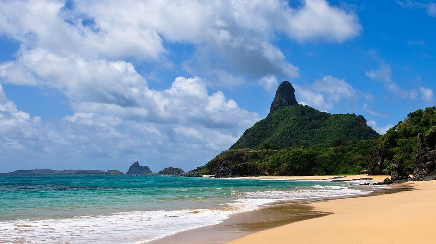 The Most Beautiful Beaches in Fernando de Noronha, Brazil