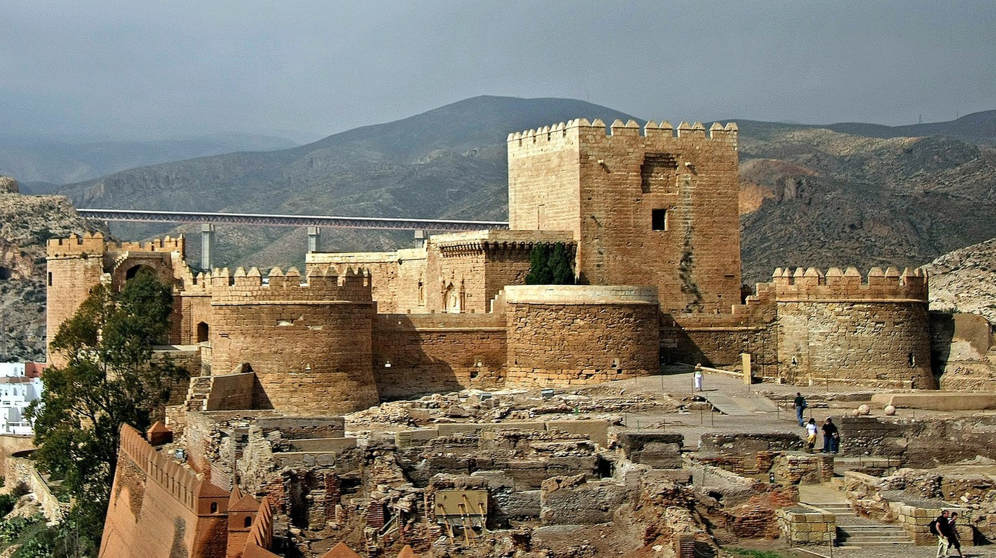 The defensive towers of Almeria's 10th century Moorish fort | © giborn_134/flickr