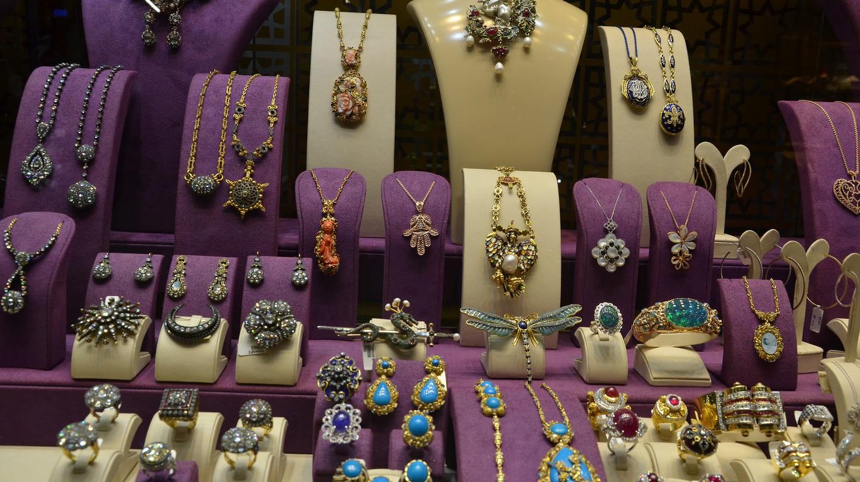 Grand Bazaar Jewelry | © shankar s./Flickr