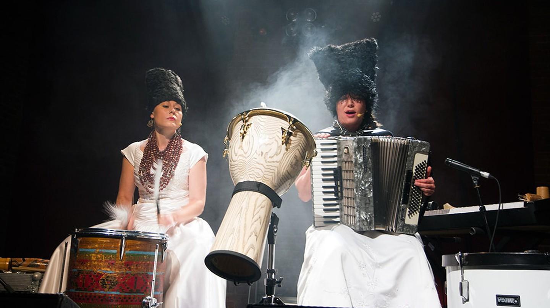 DakhaBrakha performance | © villunderlondon/Flickr