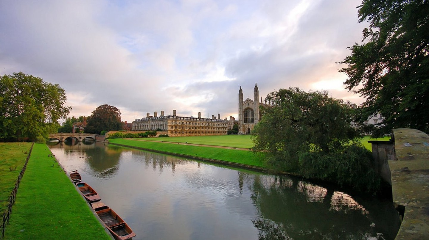 10 Reasons You Should Visit Cambridge over Oxford in England