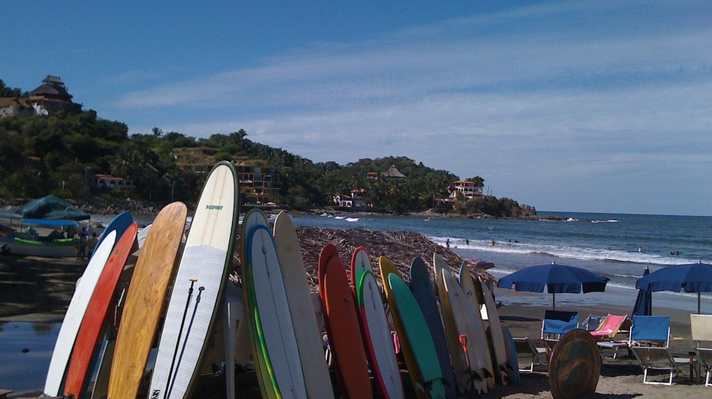 Surfing Sayulita │© Megan Coughlin / flickr